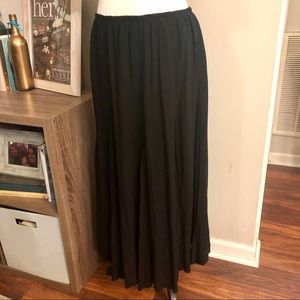 Dresses & Skirts - <a la carte> Embroidered Black Maxi Skirt